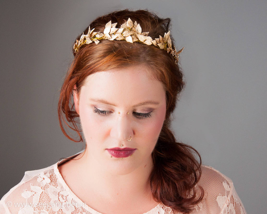 TIARA - BRIDAL JEWELLERY WITH GOLD COLOURED LEAFS FOR BOHO OR WOODLAND WEDDINGS © Seegang Berlin