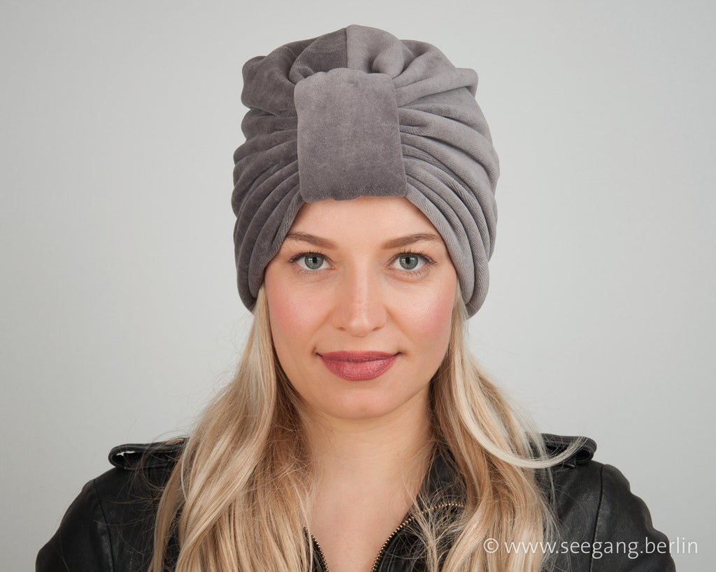 TURBAN VELVET - LIGHT GREY, CLASSIC AND COSY IT SUITS EVERY WOMEN © Seegang Berlin