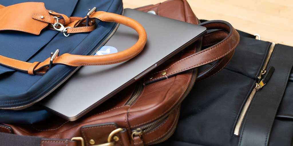 Reasons why briefcase bags are in trend among Professionals!