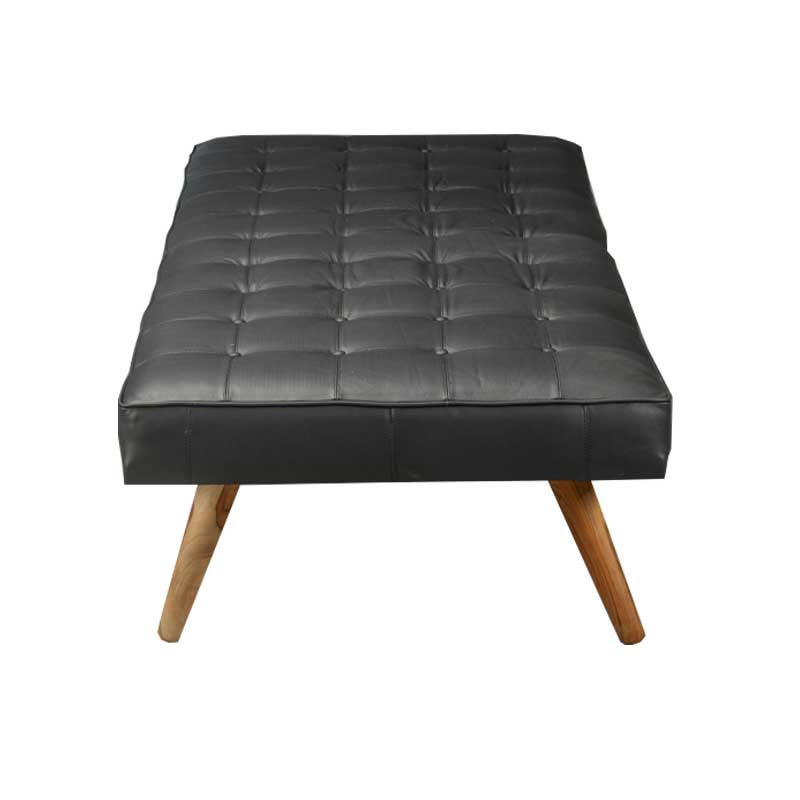 Daybed in black leather with wooden legs - Deszine Talks