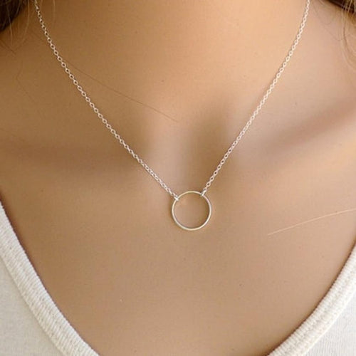 Flawless Women's Necklace With Circular Pendant