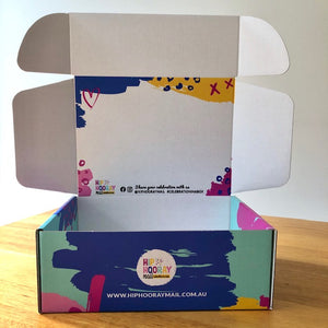 HIP HOORAY MAIL GIFT BOX