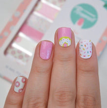 Load image into Gallery viewer, NAIL WRAPS IN 'DONUT' (KIDS SIZE)