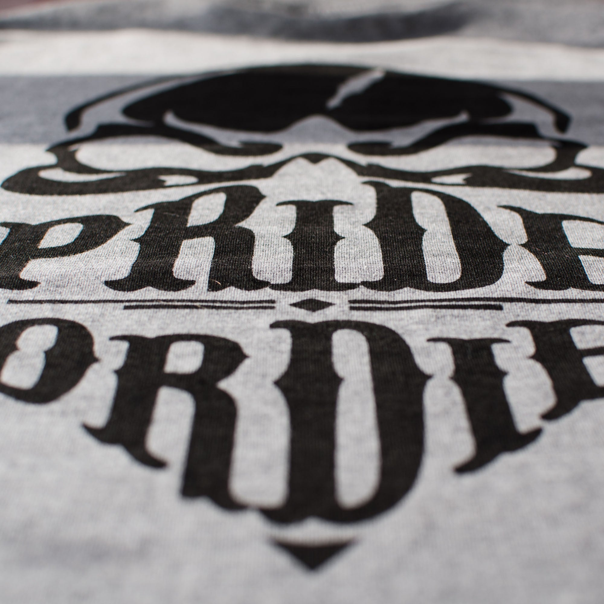 "T-Shirt PRiDEorDiE ""RECKLESS"" - Grey Edition"