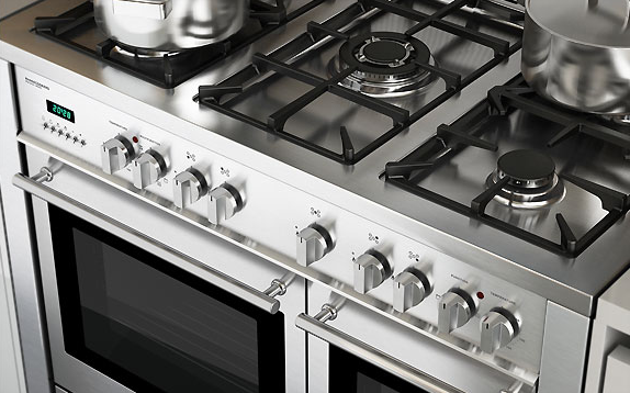 Closeup image of controls on the Select 100DF cooker