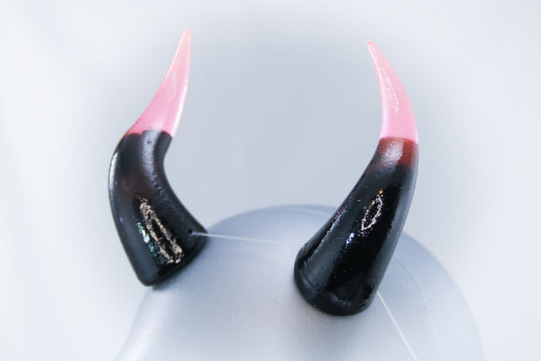 Caustic Specialty Color Cast Resin Horns