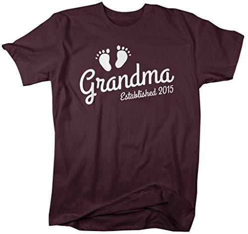 Shirts By Sarah Women's Grandma Established 2015 Unisex T-Shirt Baby Feet Cute Shirts-Shirts By Sarah