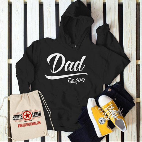 Men's Dad Hoodie Gift EST. 2019 New Baby Reveal Idea Gift Sweatshirt Pullover-Shirts By Sarah