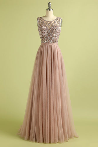 Abito da ballo in tulle con perline