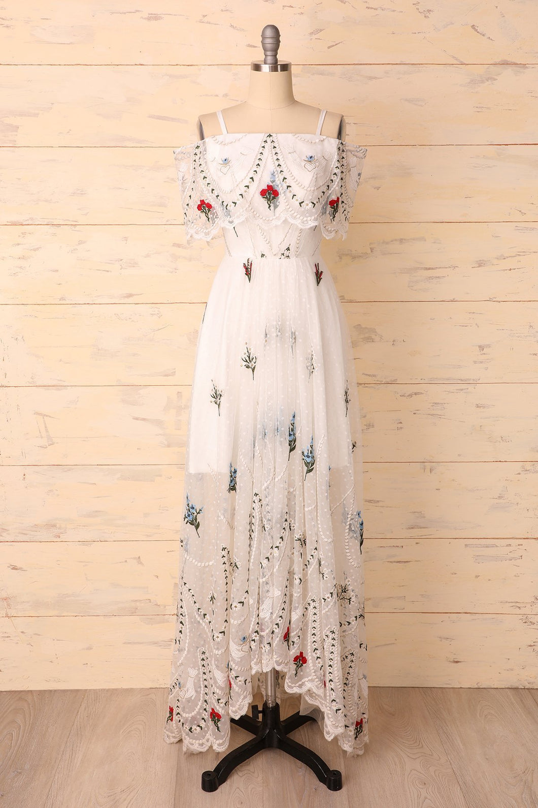 Embroidered White Dress - ZAPAKA