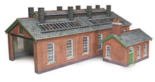 Load image into Gallery viewer, METCALFE PO313 OO/1:76 ENGINE SHED DOUBLE TRACK - (PRICE INCLUDES DELIVERY)