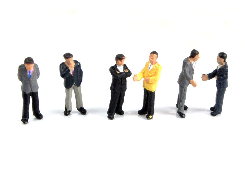 GRAHAM FARISH 379-300 N GAUGE BUSINESSMEN - (PRICE INCLUDES DELIVERY)