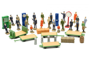 DAPOL C012 OO/1:76 STATION ACCESSORIES - (PRICE INCLUDES DELIVERY)