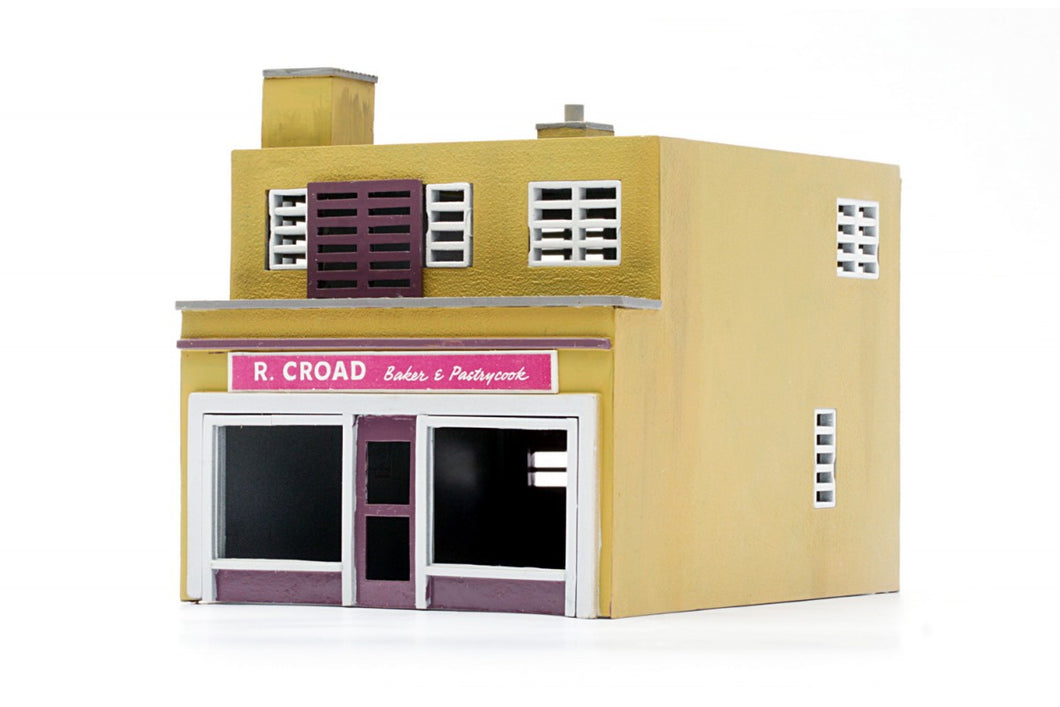 DAPOL C031 OO/1:76 SHOP AND FLAT - (PRICE INCLUDES DELIVERY)