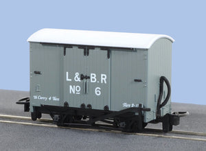 PECO GREAT LITTLE TRAINS GR-220D NARROW GAUGE BOX VAN L&B LIVERY - (PRICE INCLUDES DELIVERY)
