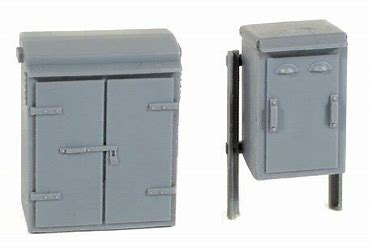 WILLS SS88 OO/1:76 RELAY BOXES SET 2 - (PRICE INCLUDES DELIVERY)