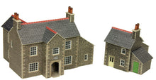 Load image into Gallery viewer, METCALFE PN150 N GAUGE MANOR FARM - (PRICE INCLUDES DELIVERY)