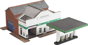 METCALFE PN181 N GAUGE SERVICE STATION - (PRICE INCLUDES DELIVERY)