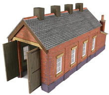 Load image into Gallery viewer, METCALFE PN931 N GAUGE ENGINE SHED RED BRICK SINGLE TRACK - (PRICE INCLUDES DELIVERY)