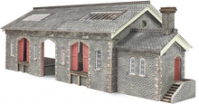 Load image into Gallery viewer, METCALFE PN936 N GAUGE SETTLE CARLISLE RAILWAY GOODS SHED - (PRICE INCLUDES DELIVERY)