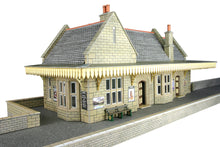 Load image into Gallery viewer, METCALFE PO238 OO/1:76 WAYSIDE STATION - (PRICE INCLUDES DELIVERY)