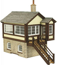 Load image into Gallery viewer, METCALFE PO330 OO/1:76 GWR SIGNAL BOX - (PRICE INCLUDES DELIVERY)
