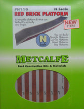 Load image into Gallery viewer, METCALFE PN110 N GAUGE RED BRICK PLATFORM - (PRICE INCLUDES DELIVERY)