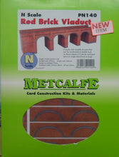 Load image into Gallery viewer, METCALFE PN140 N GAUGE RED BRICK VIADUCT - (PRICE INCLUDES DELIVERY)