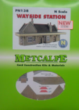 Load image into Gallery viewer, METCALFE PN138 N GAUGE WAYSIDE STATION - (PRICE INCLUDES DELIVERY)
