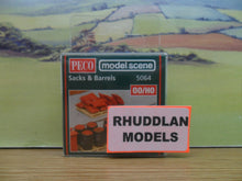 Load image into Gallery viewer, PECO MODEL SCENE 5064 OO/1:76 SACKS & BARRELS - (PRICE INCLUDES DELIVERY)