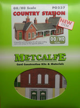Load image into Gallery viewer, METCALFE PO237  OO/1.76 COUNTRY STATION - (PRICE INCLUDES DELIVERY)