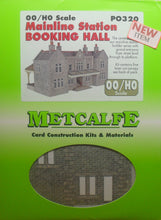 Load image into Gallery viewer, METCALFE PO320 OO/1:76 BOOKING HALL MAINLINE STATION - (PRICE INCLUDES DELIVERY)