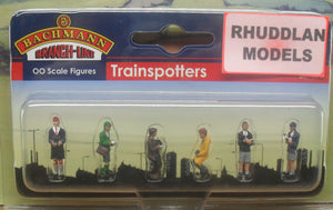 BACHMANN SCENECRAFT 36-401 OO TRAINSPOTTERS - (PRICE INCLUDES DELIVERY)