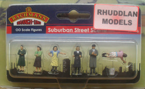 BACHMANN SCENECRAFT 36-406 OO 1960/70 SUBURBAN STREET SCENE - (PRICE INCLUDES DELIVERY)