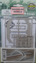 Load image into Gallery viewer, RATIO 222 N GAUGE FOOTBRIDGE (CONCRETE) - (PRICE INCLUDES DELIVERY)