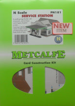 Load image into Gallery viewer, METCALFE PN181 N GAUGE SERVICE STATION - (PRICE INCLUDES DELIVERY)