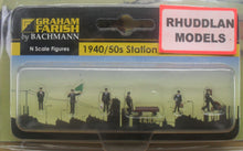 Load image into Gallery viewer, GRAHAM FARISH 379-317 N GAUGE 1940/50 STATION STAFF - (PRICE INCLUDES DELIVERY)