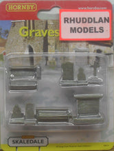 Load image into Gallery viewer, HORNBY SKALEDALE R8574 00/1:76 GRAVESTONES - (PRICE INCLUDES DELIVERY)