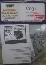 Load image into Gallery viewer, DAPOL C031 OO/1:76 SHOP AND FLAT - (PRICE INCLUDES DELIVERY)