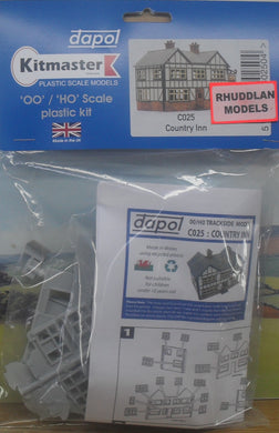 DAPOL C025 OO/1:76 COUNTRY INN - (PRICE INCLUDES DELIVERY)