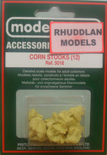 Load image into Gallery viewer, MODEL SCENE ACCESSORIES NO.5018 OO/1:76 CORN STOCKS - (PRICE INCLUDES DELIVERY)