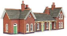 Load image into Gallery viewer, METCALFE PN137 N GAUGE COUNTRY STATION - (PRICE INCLUDES DELIVERY)