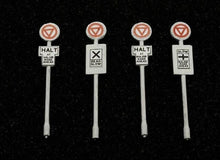 Load image into Gallery viewer, DAPOL C050 OO/1:76 ROAD SIGNS X4 - (PRICE INCLUDES DELIVERY)