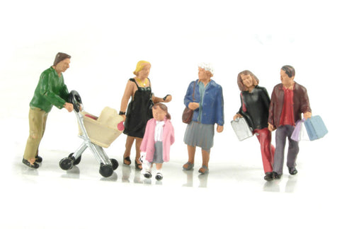 BACHMANN SCENECRAFT 36-046 OO SHOPPING FIGURES - (PRICE INCLUDES DELIVERY)