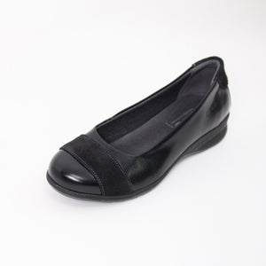 384 Suave Bethany Black Ladies Casual Shoe size 4