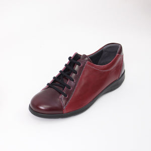 383 Suave Red/Burgundy Ladies Lace up Casual Shoe size 4