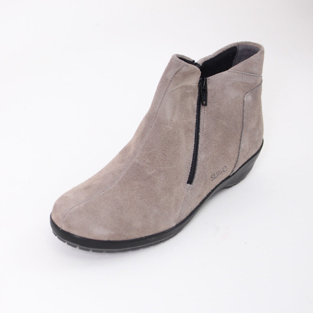 410 Suave Quinn Grey Suede Ladies Ankle Boot size 4