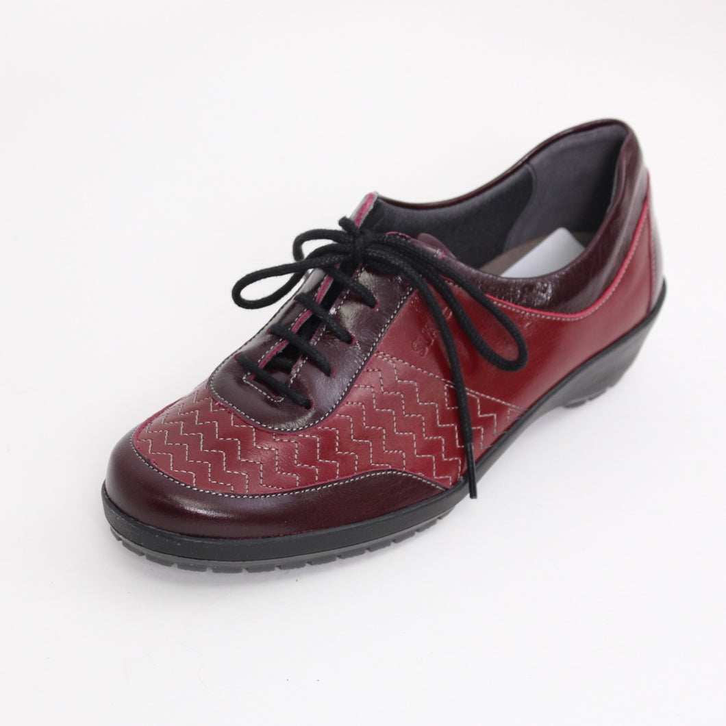 349 Suave Casual Lace Up Shoe Red/Patent size 4