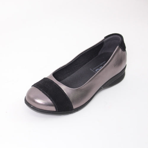 424 Suave Bethany Pewter Ladies Casual Shoe size 4