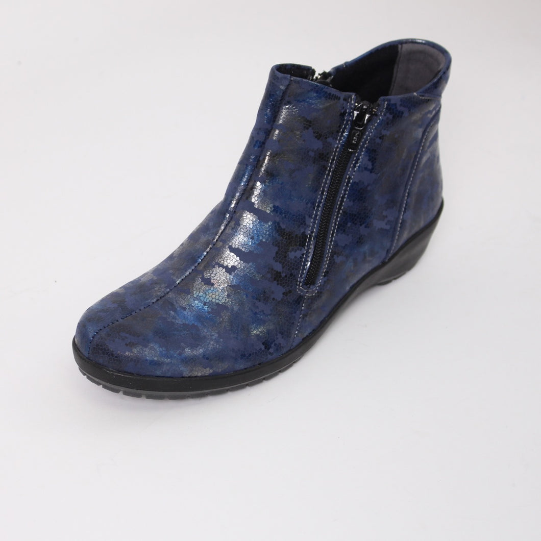380 Suave Quinn Navy Print Ladies Ankle Boot size 4
